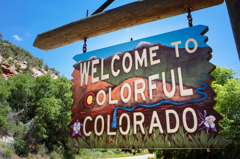 Download Vintage Colorado Welcome Sign Editorial Stock Photo - Image of tourism, human: 102415433