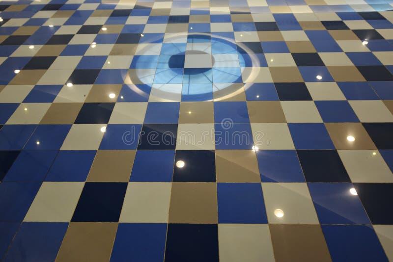Square grid floor