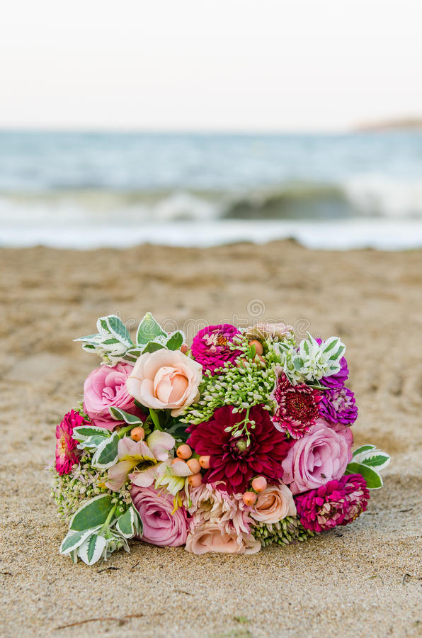 Free Colorful Wedding Bouquet From Roses. Pink, Red And Green. Beach Wedding. Royalty Free Stock Photos - 85482348