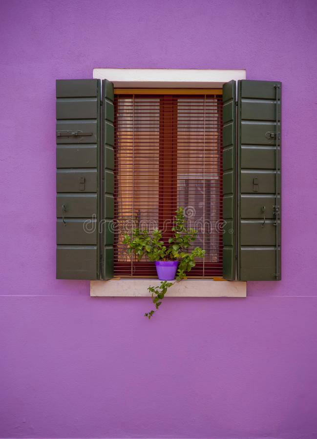 Free Colorful Window Royalty Free Stock Image - 32663906