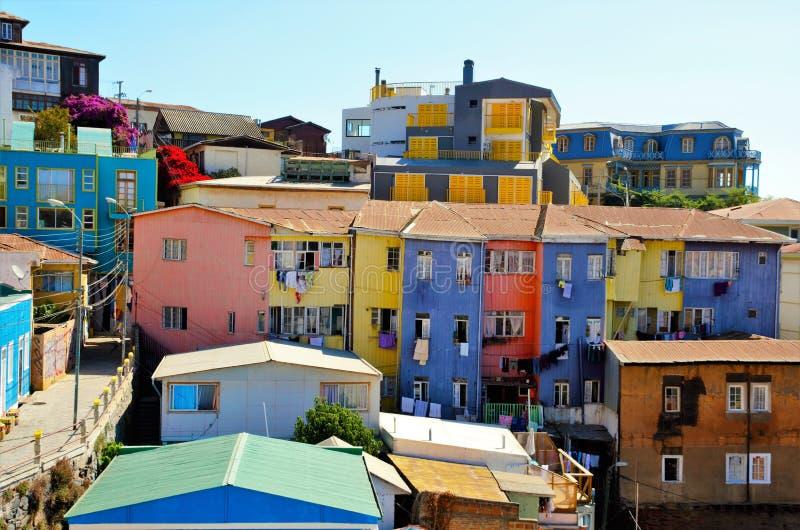 Colorfull房子在瓦尔帕莱索 免版税库存图片
