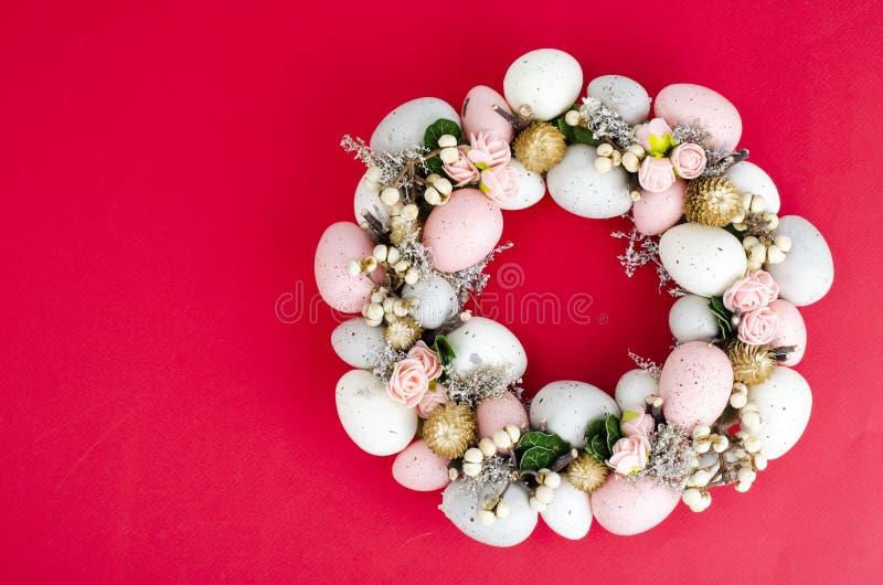 Colorfull美丽的欢乐复活节花圈 ?? 库存图片