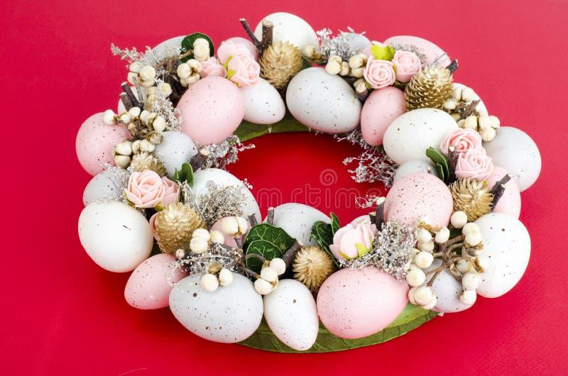 Colorfull美丽的欢乐复活节花圈 ?? 免版税库存图片