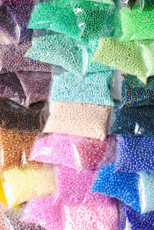 Colorfull glass pärlor royaltyfri bild