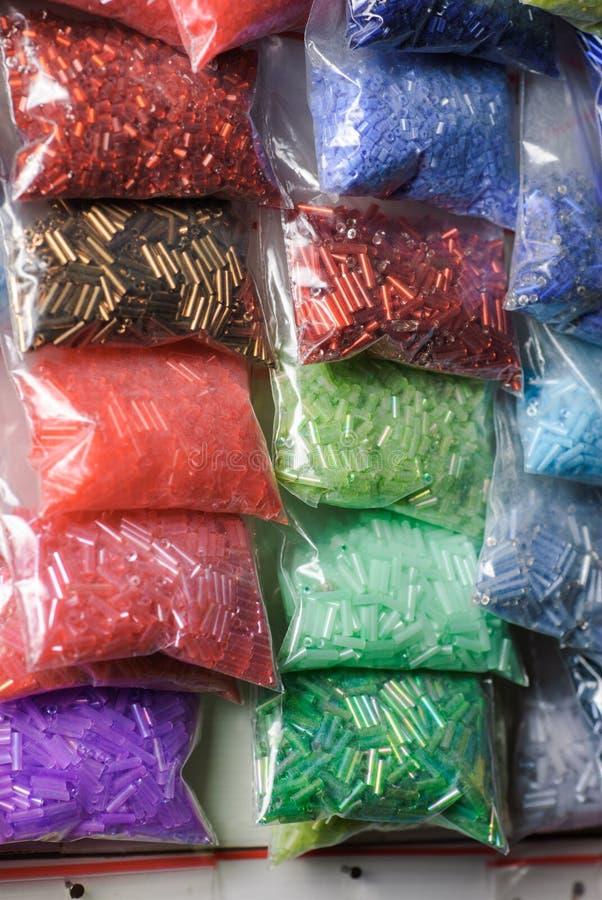 Colorfull glass pärlor royaltyfri fotografi