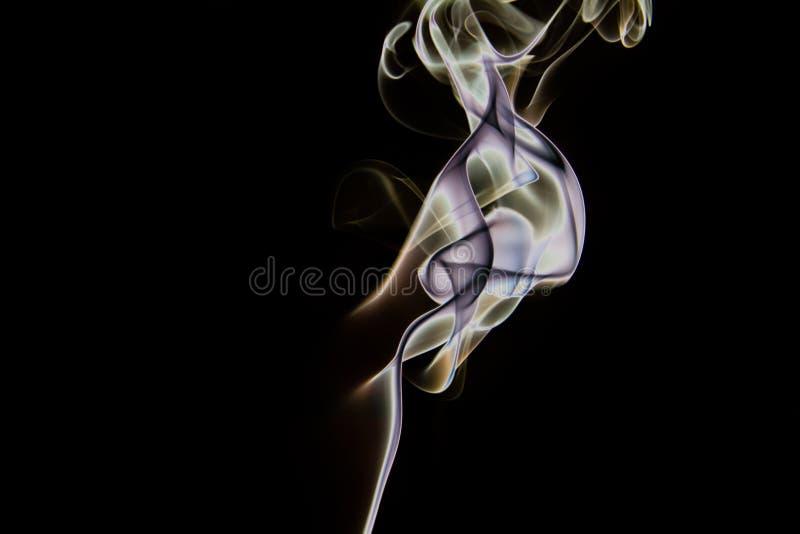 Colorfull a isolé l'art de fumée d'encens photo libre de droits