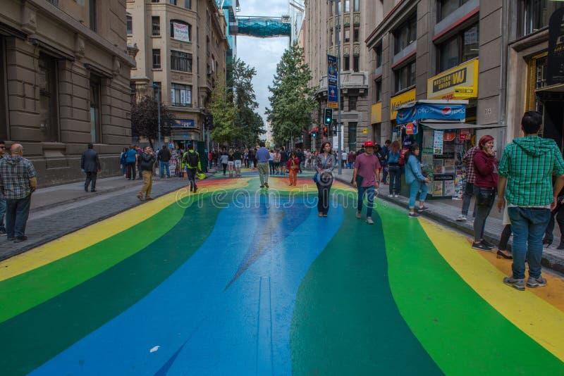 Colorfully målad gata arkivbild