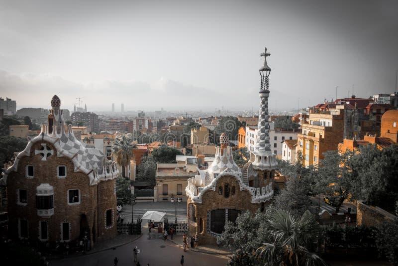 Colori del guell del parco a Barcellona, Spagna fotografia stock libera da diritti