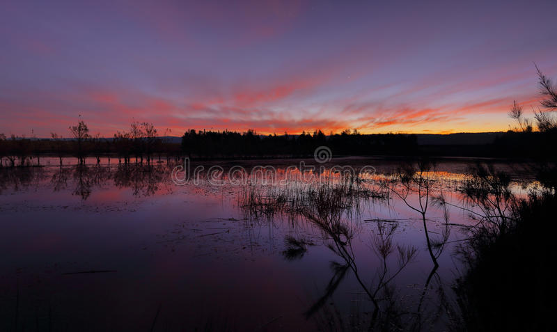 Colori del tramonto nei laghi Penrith Duralia immagine stock libera da diritti