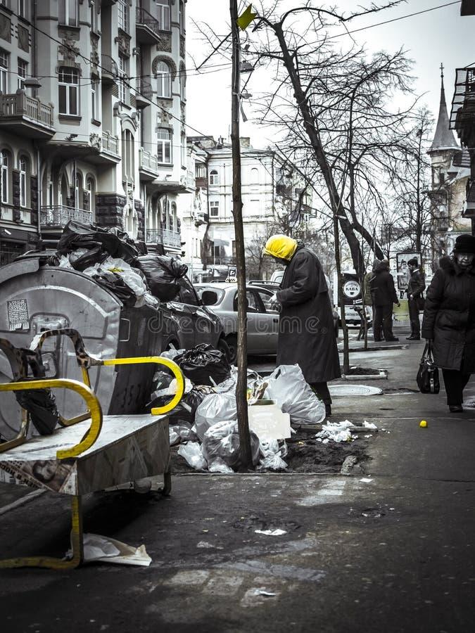 Colori della discarica e del barbone del centro urbano immagini stock