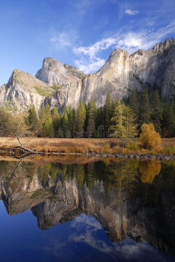Colori di autunno in Yosemite fotografie stock libere da diritti