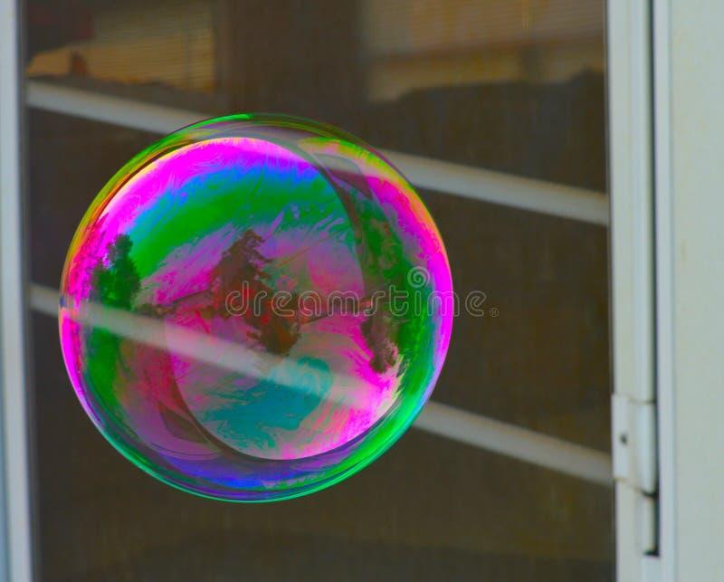 Colori luminosi della bolla dell'arcobaleno fotografie stock