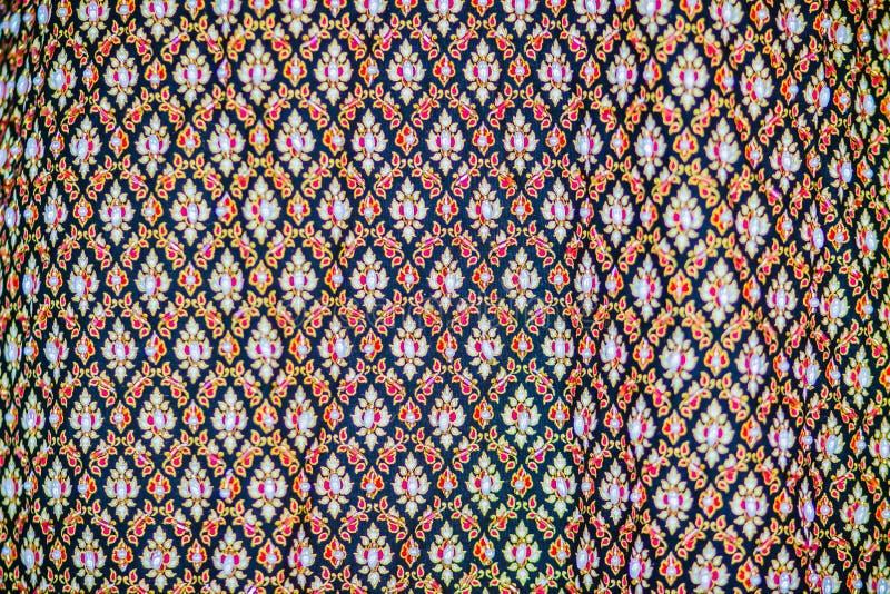 Colorido da seda tailandesa nativa do estilo Tela de seda tailandesa tecida feito a mão bonita das telas textured imagens de stock