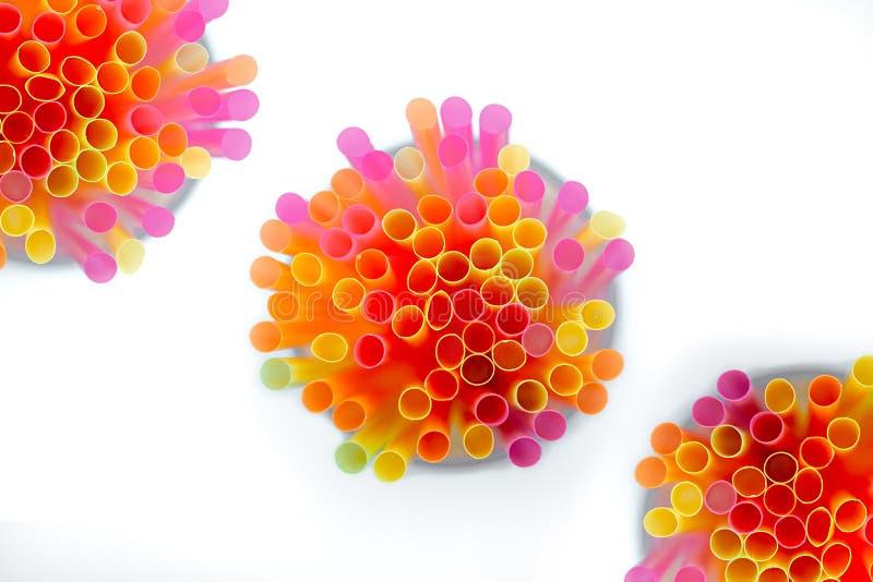 Colorido de la paja Plástico coloreado multi imagen de archivo