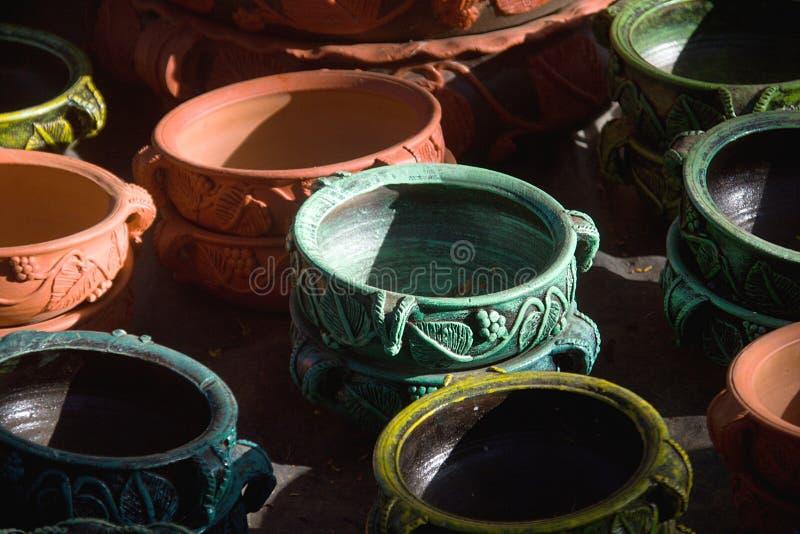 Colorido, diseñador Earthen Pots fotos de archivo libres de regalías