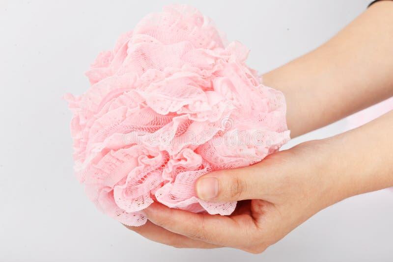 Colorido e fácil entregar o corpo para exfoliate a bola da malha do banho de chuveiro do banho da flor da esponja do banho da bol fotografia de stock royalty free