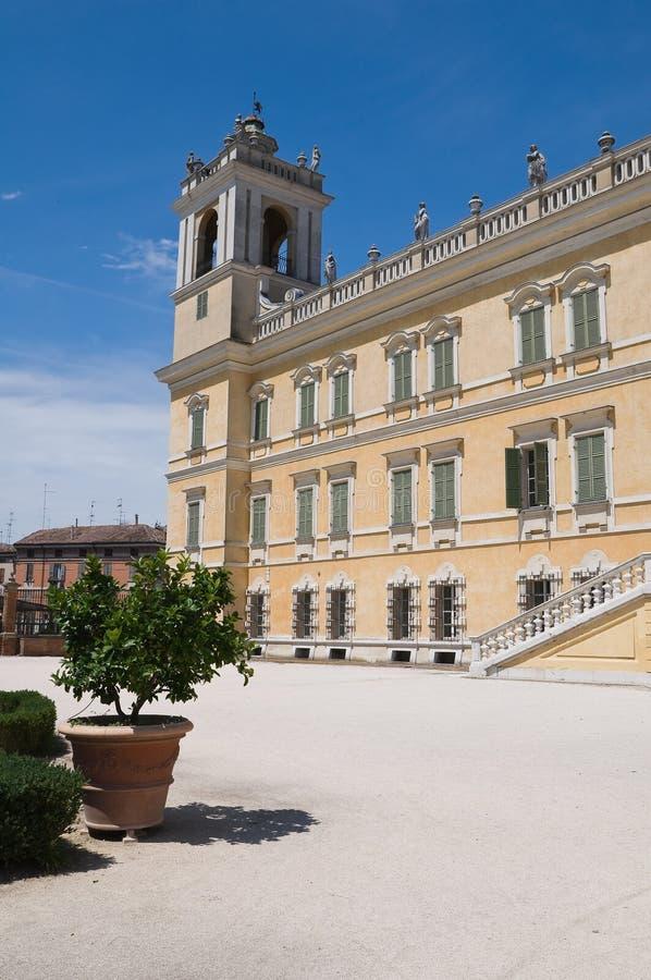 colorno公爵的一点红・意大利宫殿romagna 库存图片