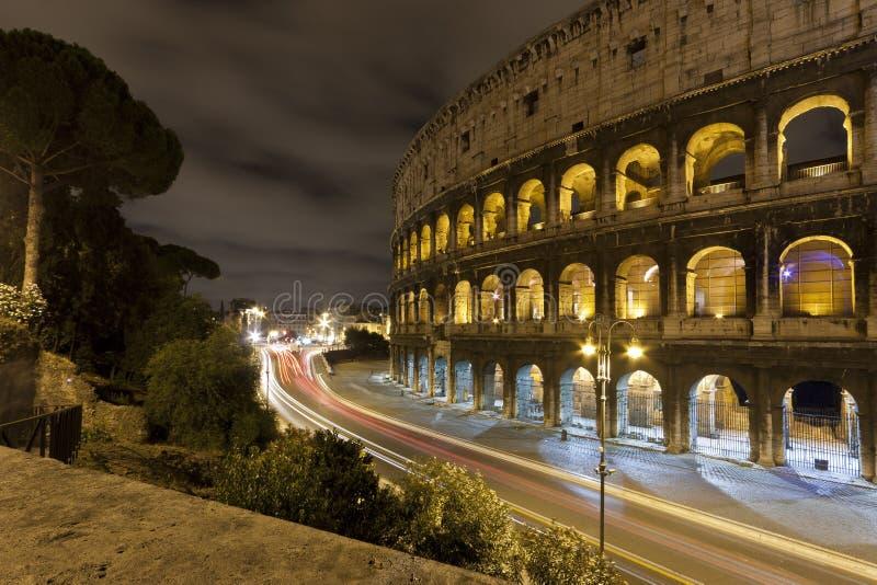 Coloseum la nuit photo libre de droits