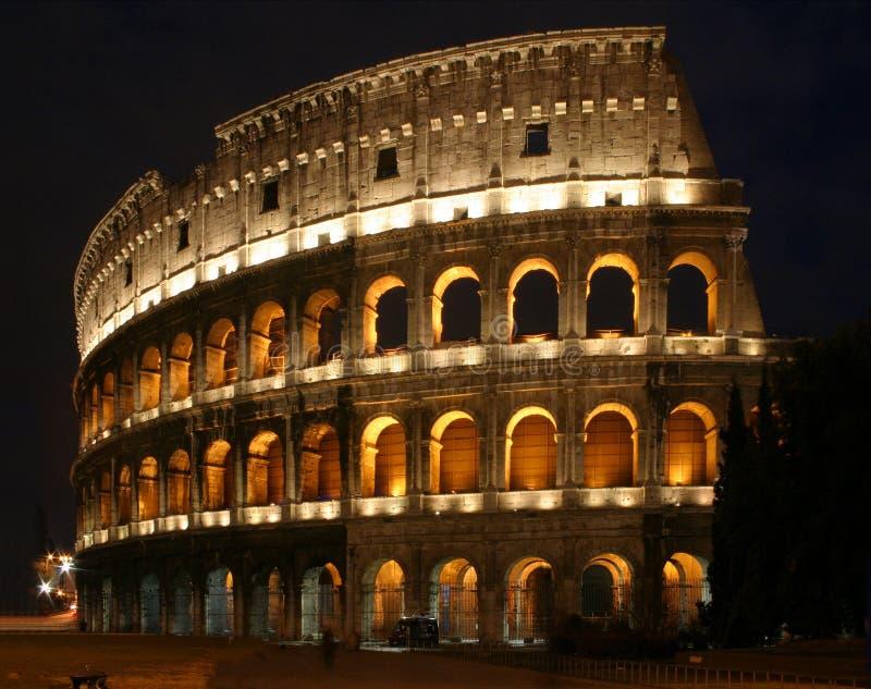 Coloseum na noite imagens de stock royalty free