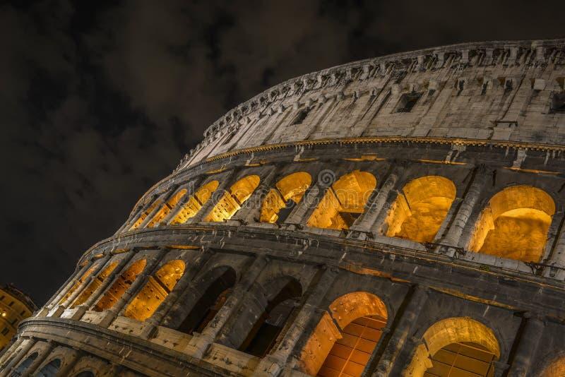 Coloseum par nuit photo stock