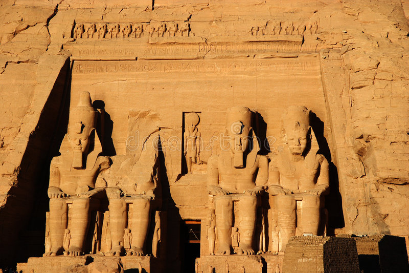 Coloso de Abu Simbel, Egipto, África fotografía de archivo