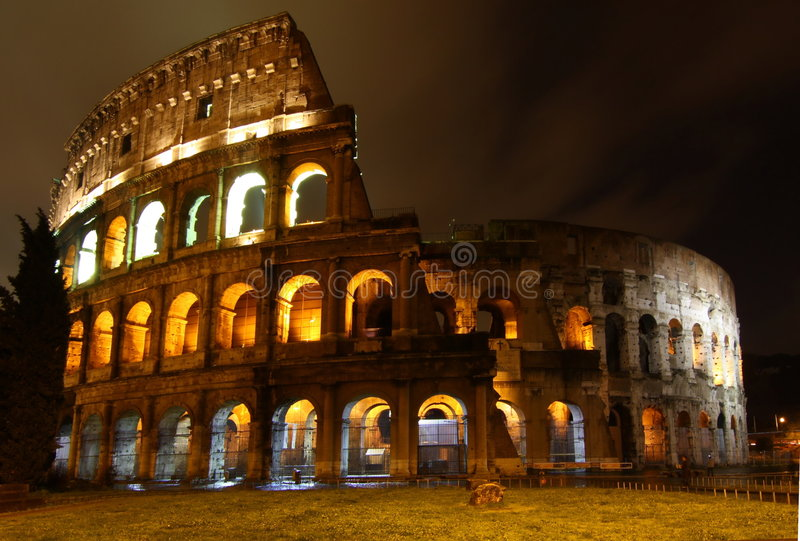 colosseo晚上罗马 库存照片