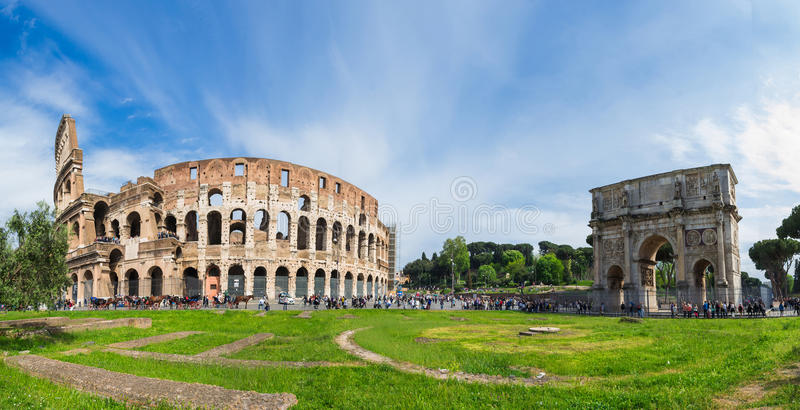 Colosseum全景在罗马 免版税库存照片