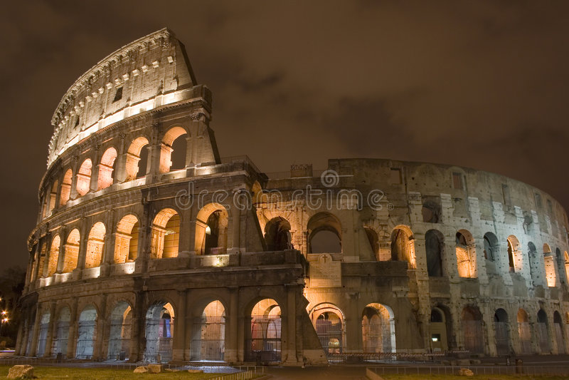 colosseum晚上 图库摄影