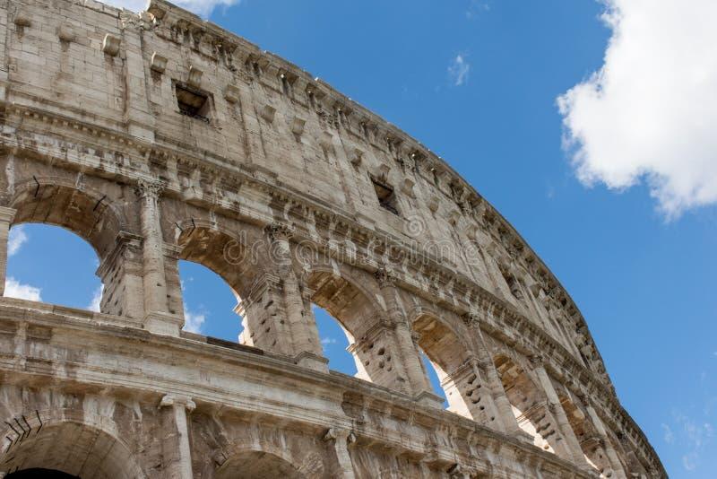 Colosseum的视图在罗马 免版税库存图片