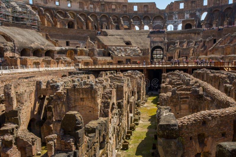 Colosseum à l'intérieur images stock