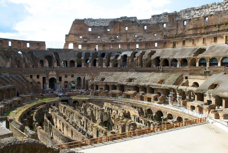 colosseum à l'intérieur de Rome images libres de droits