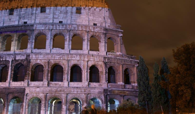 Download Colosseum που φωτίζεται στοκ εικόνες. εικόνα από ρώμη - 17060226