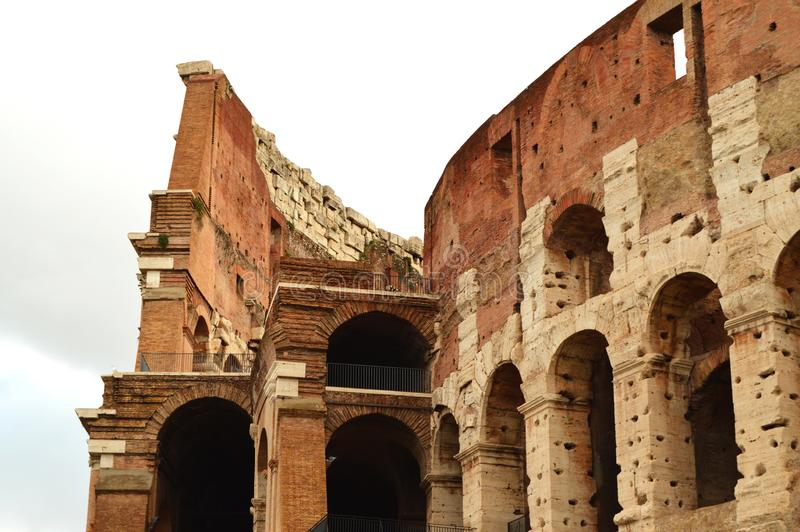 Colosseum στη Ρώμη, Ιταλία, Ευρώπη Η Ρώμη είναι ένας αρχαίος χώρος του του μονομάχου αγώνα Το ρωμαϊκό Colosseum είναι το διασημότ στοκ φωτογραφία