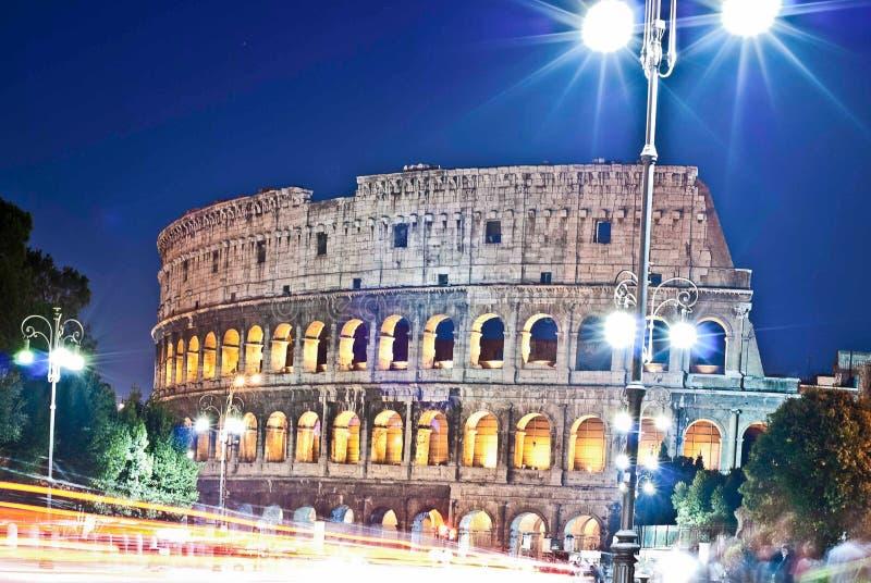 Colosseum τη νύχτα στοκ φωτογραφία με δικαίωμα ελεύθερης χρήσης