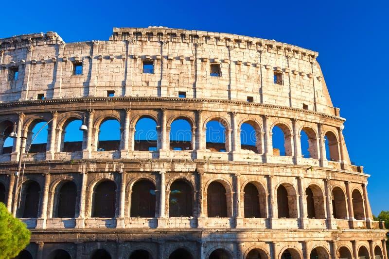 Download Colosseum в Риме стоковое фото. изображение насчитывающей археологии - 37929200