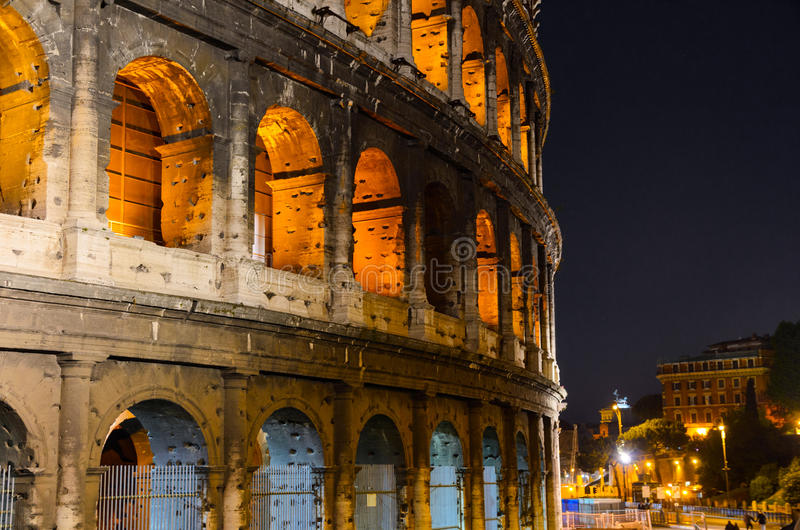 Download Colosseum image stock. Image du célèbre, forum, antiquité - 45357551