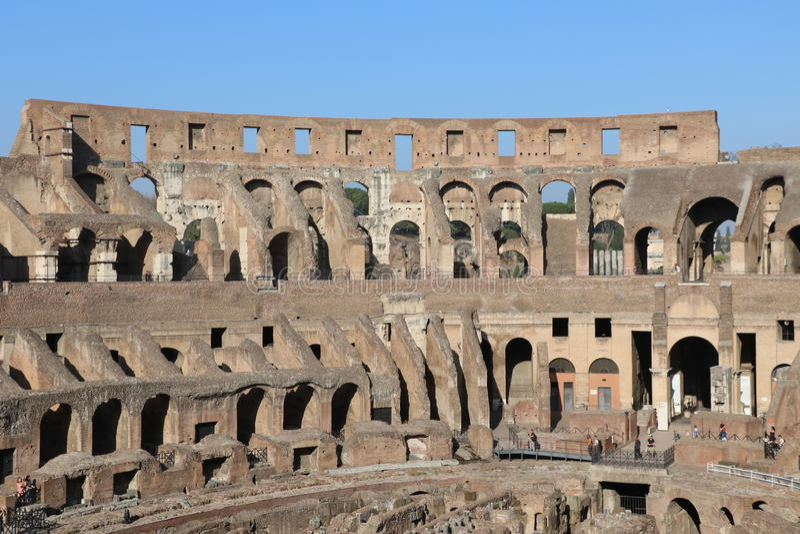 Download Colosseum Berömda Italy Mest Ställerome Sikt Arkivfoto - Bild av caesar, festivaler: 76704090