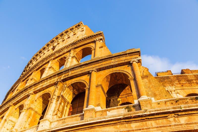 Colosseum bij zonsondergang royalty-vrije stock afbeeldingen