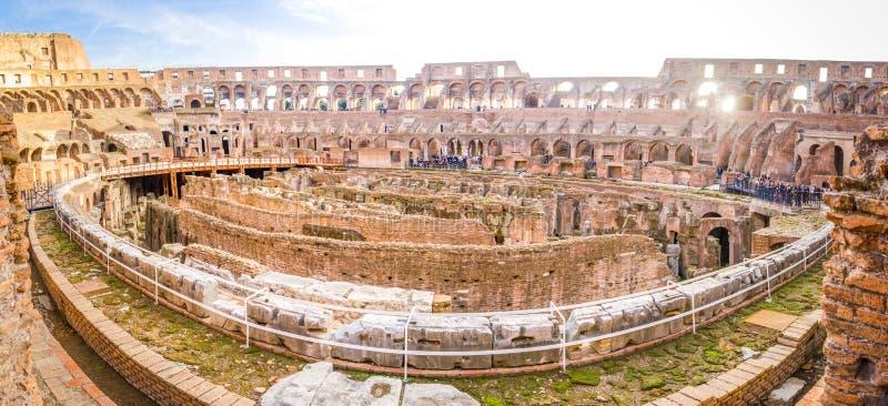Colosseum binnenlandse brede panoramisch royalty-vrije stock fotografie