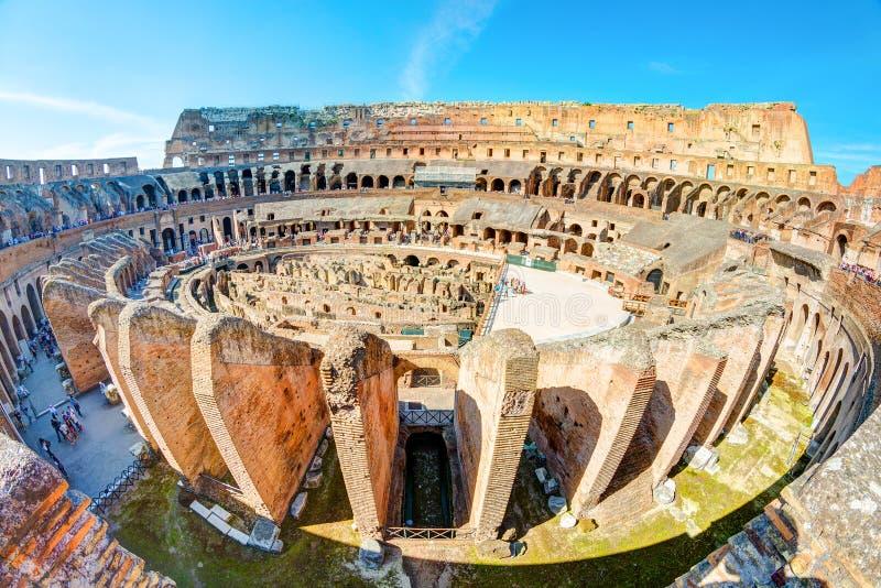Colosseum (coliseu) em Roma fotografia de stock