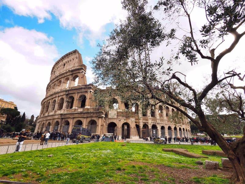 Colosseum, dag, op de bewolkte dag, Rome Italië royalty-vrije stock foto