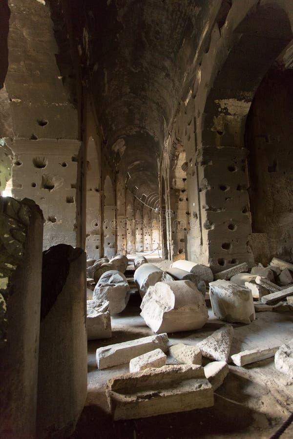 Colosseum dentro fotografía de archivo libre de regalías
