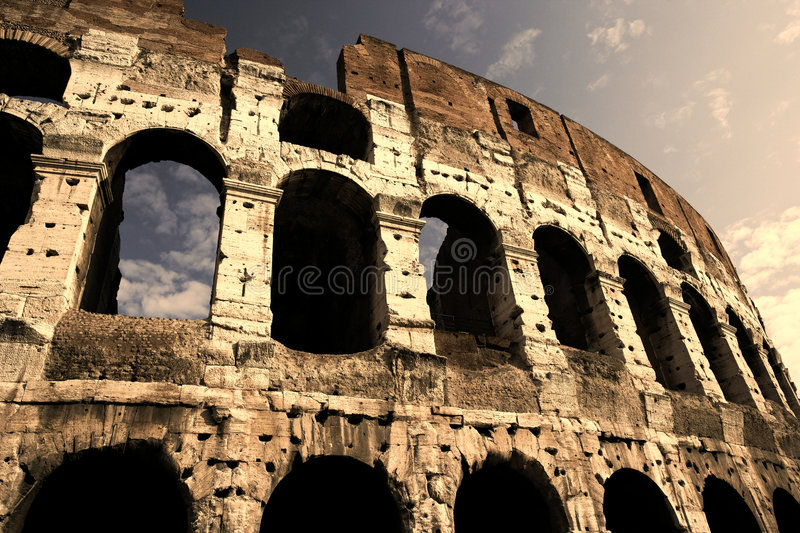 Download Colosseum In The Early Evening Royalty Free Stock Images - Image: 7633059