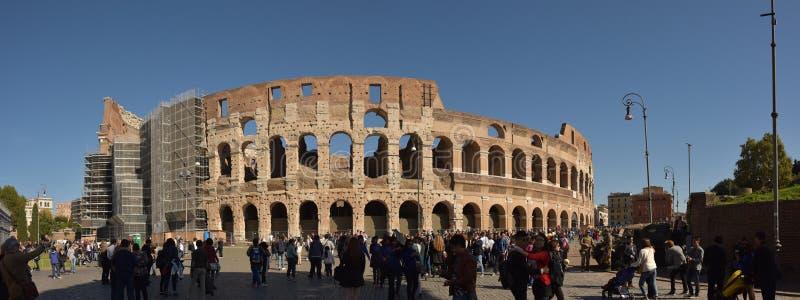 Colosseum em Roma, Itália, foto do panorama foto de stock royalty free