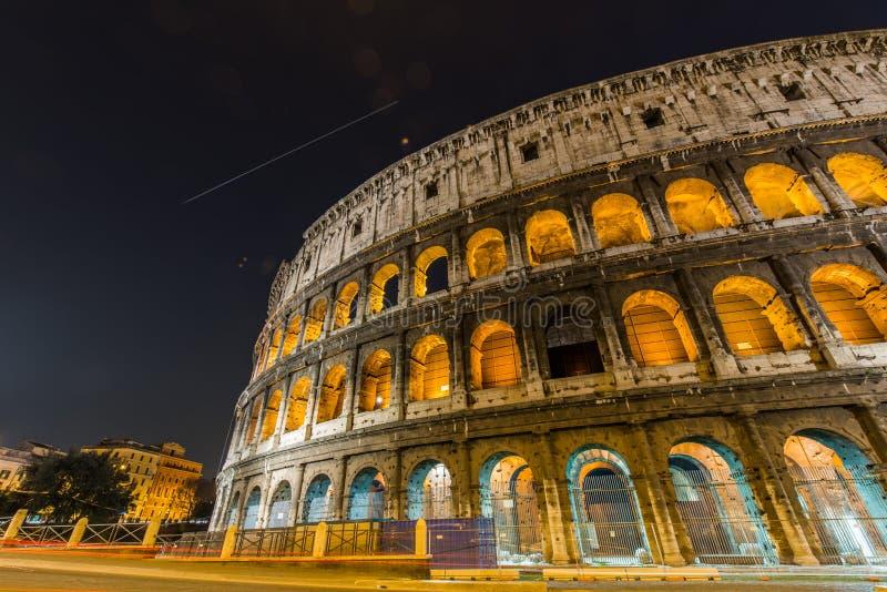 Download Colosseum Famoso Durante La Tarde Foto de archivo - Imagen de nubes, amanecer: 41917038