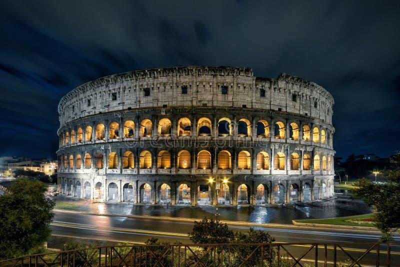 Colosseum (kolosseum) przy nocą, Rzym zdjęcie stock