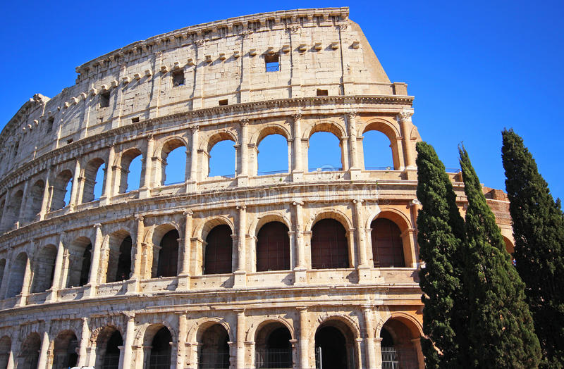 Download Colosseum-Kolosseum in Rom stockfoto. Bild von italien - 96929380
