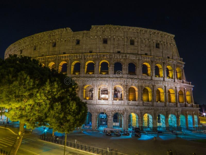 Colosseum na noite fotografia de stock