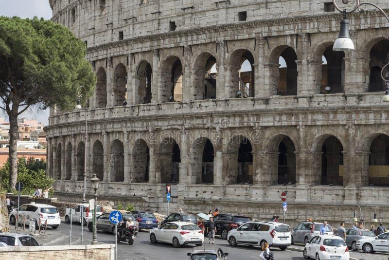 Colosseum Point de repère de renommée mondiale à Rome images stock