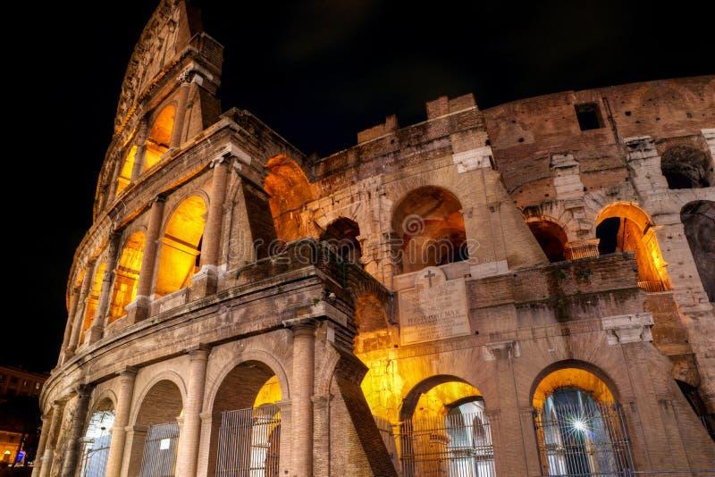 Colosseum przy noc, Rzym fotografia stock